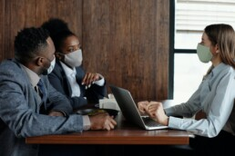 swap, banker meeting with clients pexels-august-de-richelieu